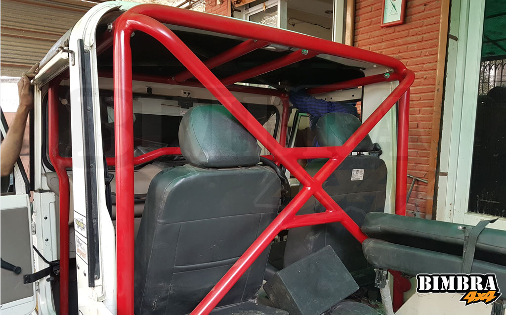 4point-Roll-Cage-Internal